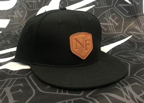 Sammantha - schwarze Neshforce Cap